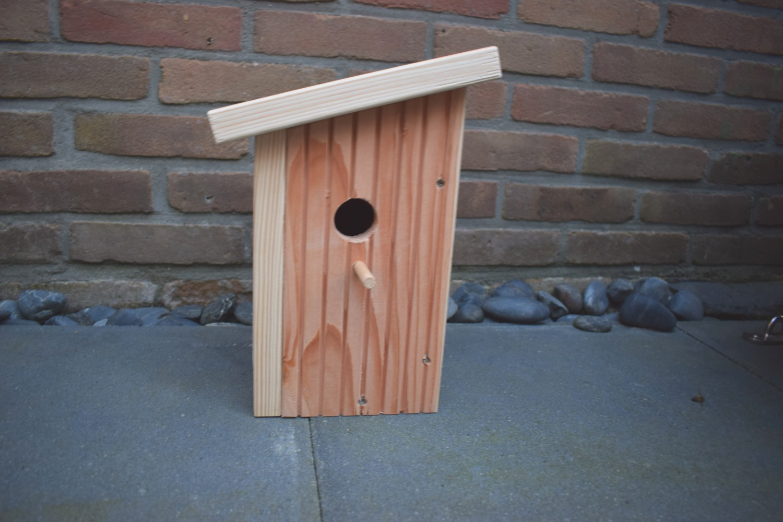 Doe het zelf project vogelhuisje maken klus for Kleine vijverfilter zelf maken